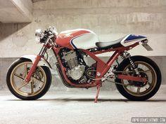 La Honda CB 500 cafe-racer de Romain... Plus tout à fait une bécane de moto-école !