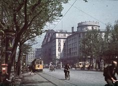 Budapest in the – The peaceful moments of the city in rare colour photographs Budapest, Old Pictures, Old Photos, Central Europe, Rest Of The World, Color Photography, Far Away, World War Two, Historical Photos