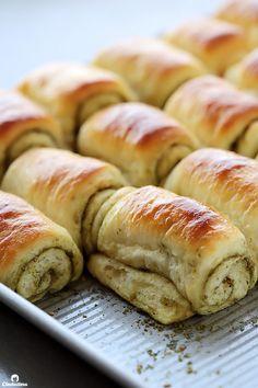 Fluffy Spiral Rolls (with optional Za'atar) Tandoori Masala, Lebanese Recipes, Lebanese Cuisine, Armenian Recipes, Arabic Food, Arabic Dessert, Middle Eastern Recipes, Snacks, Food Items