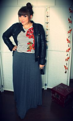 Saia longa plissada e jaqueta de couro sintético « Entre topetes e vinis