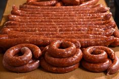 Gyulai kolbász Sausage Spices, Healthy Cooking, Cooking Recipes, Homemade Sausage Recipes, Romanian Food, How To Make Sausage, Pork Tenderloin Recipes, Hungarian Recipes, Food 52