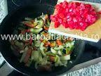Ouă cu legume (la tigaie) | Rețete BărbatLaCratiță Potato Salad, Potatoes, Ethnic Recipes, Potato