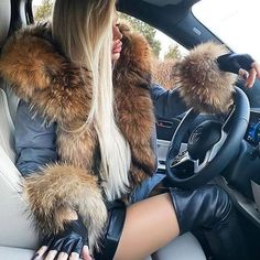 High Leather Boots, Leather Skirt, Woman In Car, Fox Fur Coat, Hot Dress, Fur Collars, Coats For Women, Parka, Dame