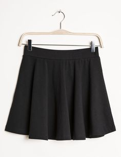 Jupe patineuse noire - Jennyfer e-shop Cheer Skirts, Ballet Skirt, How To Wear, Collection, Outfits, Clothes, Dresses, Html, Girls