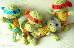 Crochet ninja turtles https://myartpetite.wordpress.com/2014/08/31/free-crochet-pattern-teenage-mutant-ninja-turtles/