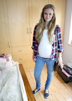 cute maternity outfit My man loves me in plaid... Must find a cute plaid button down STAT