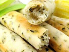 Gressins parmesan basilic au Thermomix Cooking Chef, Cooking With Kids, Cooking Time, Thermomix Pan, Thermomix Desserts, Cas, Mini Burgers, Parmesan, Food Inspiration
