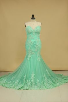 Classy Prom Dress, 2019 Evening Dresses Mermaid Sweetheart With Applique And Beads Sweep Train Coy Love Classy Prom Dresses, High Low Prom Dresses, Unique Prom Dresses, Popular Dresses, Junior Bridesmaid Dresses, Girls Dresses, Flower Girl Dresses, Wedding Dresses, Bleu Royal