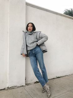 Latest Womens Jacket Styles Ideas That Looks Cool 02 Trendy Fall Outfits, Winter Fashion Outfits, Cute Casual Outfits, Retro Outfits, Stylish Outfits, Mode Kpop, Looks Plus Size, Clothing Hacks, Mode Outfits