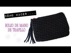 Bolso trapillo Bag Crochet, Crochet Clutch, Crochet Handbags, Crochet Purses, Love Crochet, Crochet Yarn, Knitting Videos, Crochet Videos, Crochet T Shirts