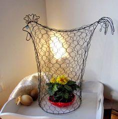Drátování U Metudky Wire Art, Planter Pots, Projects To Try, Vase, Home Decor, Black, Iron, Easter Activities, Decoration Home