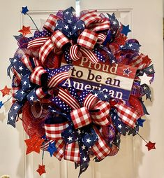Patriotic Wreath, Patriotic Decorations, 4th Of July Wreath, Americana Home Decor, Wreath Making, Wreath Crafts, Make All, How To Make Wreaths, Door Wreaths