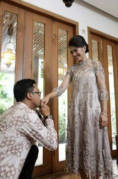 Wedding shoes simple inspiration Ideas for 2019 Kebaya Lace, Kebaya Dress, Dress Pesta, Kebaya Brokat, Dress Brukat, Party Dress, Simple Dresses, Pretty Dresses, Lace Dresses