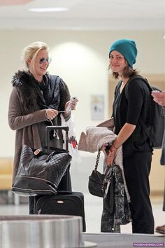 the vampire diaries clare holt  | THE VAMPIRE DIARIES: CLAIRE E PHOEBE A NEW ORLEANS