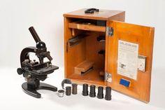 Microscopio Carl Zeiss Jena Carl Zeiss Jena, Espresso Machine, Coffee Maker, Kitchen Appliances, Home, History Of Pharmacy, Espresso Coffee Machine, Coffee Maker Machine, Diy Kitchen Appliances