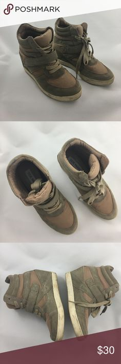 Steve Madden Olympia Sneaker heels, size 7 Used but still has plenty of life! Steve Madden Shoes Heeled Boots