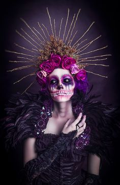 Dark Beauty is a magazine dedicated to artists, fashion designers, photographers, musicians, and actors who crave dark glamour. Dead Makeup, Scary Makeup, Hair Makeup, Halloween Makeup Looks, Up Halloween, Purple Halloween, Vintage Halloween, Halloween Costumes, Sugar Skull Makeup