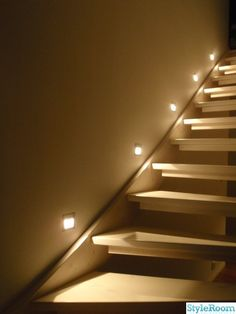trappbelysning - Sök på Google Stair Lighting, Interior Lighting, Future House, My House, Stair Decor, Open Trap, House Stairs, Stairway To Heaven, Led Lampe