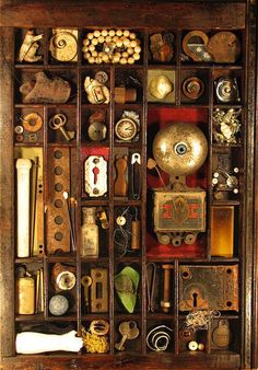 Image from http://www.musingrelics.com/assemblages/images/assemblage-050.jpg.