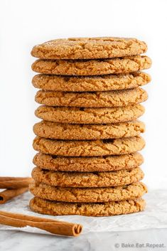 These soft and chewy ginger cookies are one of our favourite Christmas cookies. So fast and easy to make and everyone loves them! Healthy Cookie Recipes, Healthy Cookies, Baking Recipes, Just Desserts, Dessert Recipes, Easter Recipes, Chewy Ginger Cookies, Cooking Pumpkin, Biscuit Recipe