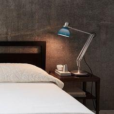Lampe a poser desk lamp bleu ocean  #lampe #light #lampeàposer #tablelamp #lampedebureau #desklamp #KennethGrange #Anglepoise #England #polypropylene #aluminium #bleuocéan #oceanblue #années30 #industriel #design #chambre #bedroom #travail #work #ajustable #adjustable #Nedgis