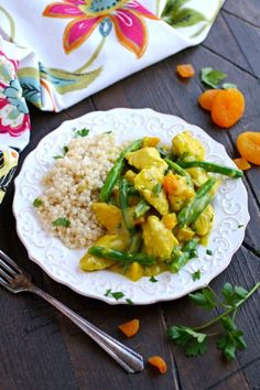 Dig in and enjoy Moroccan Skillet Chicken with Green Beans!