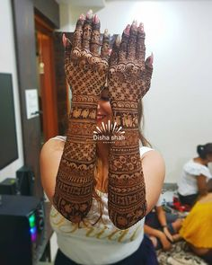 Image may contain: one or more people Wedding Henna Designs, Latest Bridal Mehndi Designs, Full Hand Mehndi Designs, Legs Mehndi Design, Mehndi Designs 2018, Mehndi Designs For Girls, Stylish Mehndi Designs, Dulhan Mehndi Designs, Mehndi Design Photos