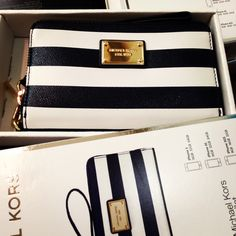 Love this Michael Kors clutch