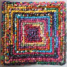 Locker Hooking, Rug Hooking, Diy Sewing Projects, Sewing Crafts, Locker Rugs, Rag Rug Diy, Stash Fabrics, Braided Rag Rugs, Rag Rug Tutorial