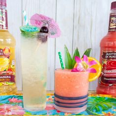 Master your next luau party with these fun rum tiki cocktails, Pink Hawaiian and the Pool Boy. The Pink Hawaiian is a pink cocktail made with Master of Mixes Strawberry… Hawaiian Cocktails, Pink Cocktails, Drinks, Cocktail Mix, Cocktail Making, Strawberry Colada, White Sangria, Liqueur, Dessert