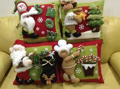 4 Modelos de cojines hechos a mano… by lea Felt Christmas Ornaments, Noel Christmas, Christmas Candles, Christmas Decorations To Make, Holiday Crafts, Christmas Stockings, Holiday Decor, Christmas Sewing, Christmas Fabric