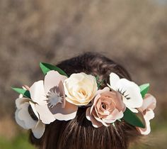 Make this Flower Crown with the Cricut Free Cut of the Week: Giant Flowers Digital Image Set (April 15 - April 22, 2015)