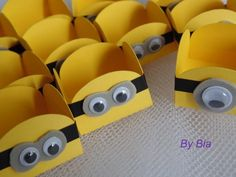 Love these minion party ideas Minion Theme, Minion Birthday, Minion Party, Minion Craft, Girl Minion, Party Decoration, Party Time, Party Favors, Diy And Crafts