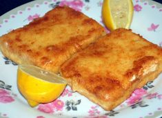 Saganaki - gebakken feta Middle East Food, Good Food, Yummy Food, Delicious Meals, Bbq, Healthy Slow Cooker, Greek Recipes, International Recipes, Other Recipes