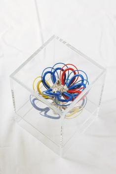 Cable Management, Wire Art, Electric, Container, Flowers, Cord Management, Royal Icing Flowers, Wire Work, Flower