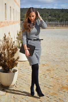 1000 maneras de vestir: Pied de poule in 2020 Winter Dress Outfits, Casual Dress Outfits, Edgy Outfits, Winter Fashion Outfits, Office Outfits, Dress Winter, Workwear Fashion, Office Fashion Women, Work Fashion