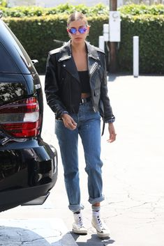 Hailey Bieber & Kendall Jenner Show Off Their Style After Morning Pilates Together Models Off Duty, Estilo Hailey Baldwin, Hailey Baldwin Style, Hayley Baldwin, Star Fashion, Look Fashion, Fashion Outfits, Looks Style, Style Me