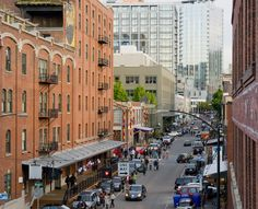 Portland is a city of neighborhoods, with shopping, dining and entertainment options clustered in districts all over town.