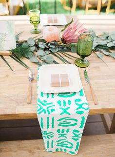 La Tavola Fine Linen Rental: Mabel Emerald Napkins | Photography: Brooke Borough, Event Planning & Florals: Festive Event Planning, Tabletop Rentals: Otis & Pearl, Furniture Rentals: Party Pleasers