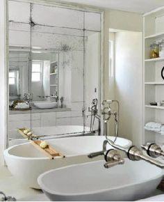 antique-mirror-bathroom-leibowitz-mclachlan.jpg 292×360 pixelů
