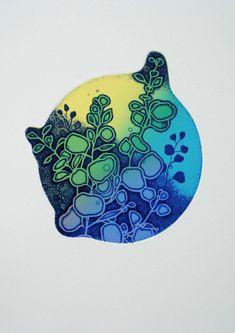 版画アマビエ特別頒布プロジェクト 2020 古本 有理恵/ Furumoto Arie  ふるもと ありえ 作品名/ 「 rebirth 」 (再生) 技法/ 銅版画 /エッチング•アクアチント、 凹凸版刷り 画面サイズ/ 16.5 x 15.5 cm Little Christmas, Rebirth, It Works, Japan, Projects, Prints, Log Projects, Blue Prints, Nailed It