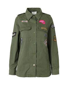 Cool army skjorte fra Neo Noir. Skjorten kan også bruges som jakke på de lunere dage. Den har lapper og en flot pasform fra det. Skjorten har en lille kra