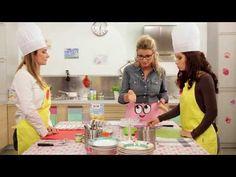 """Frittatina al pomodoro e parmigiano. Ricetta tratta da """"Non solo Pappe"""", programma in onda su Easybaby (Canale 137 di Sky)."""