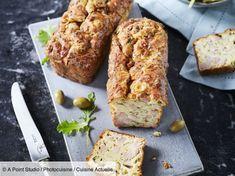 undefined Olive Cake Recipe, Cake Aux Olives, Olive Recipes, Green Cake, Salmon Burgers, Emmental, Banana Bread, Parfait, Cake Recipes