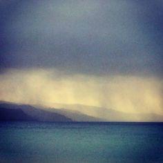 #morning #morningwalk #greatoceanroad #apollobay #vic #australia #oz #otways #rainy #rainclouds #rain #ocean #watchingfromafar #magical #beautifulcolors #beautifulmorning #sunandrain #surreal #travel #travelling #instatravel #explore #nature #naturelovers #neverstopexploring by janina.anuk