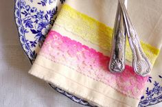 DIY tutorial - dyed lace napkins