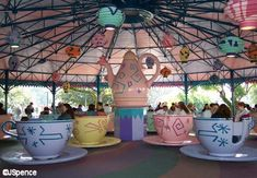 alice in wonderland, mad tea party, fantasyland, walt disney world, magic kingdom