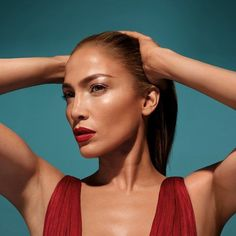 The Beauty News: Jennifer Lopez & Inglot Makeup Collection Maquillaje Jennifer Lopez, Jennifer Lopez Makeup, Jennifer Lopez News, Jlo Glow, Jlo Makeup, Beauty Makeup, Hair Beauty, Makeup Trends, Makeup Ideas