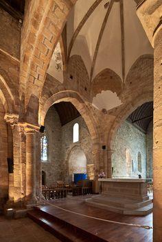 Chancel crossing and north transept,  Église Notre Dame de Joie, Merlévenez (Morbihan) Photo by Dennis Aubrey