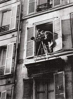 Truffaut on the set of his short filmAntoine et Colette.